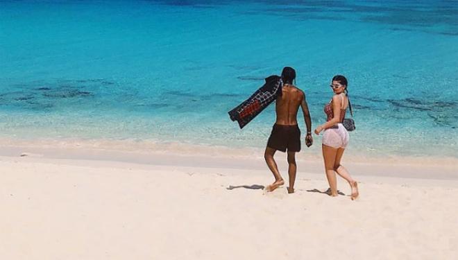 Kylie Jenner, Travis Scott, baby Stormi go on vacation