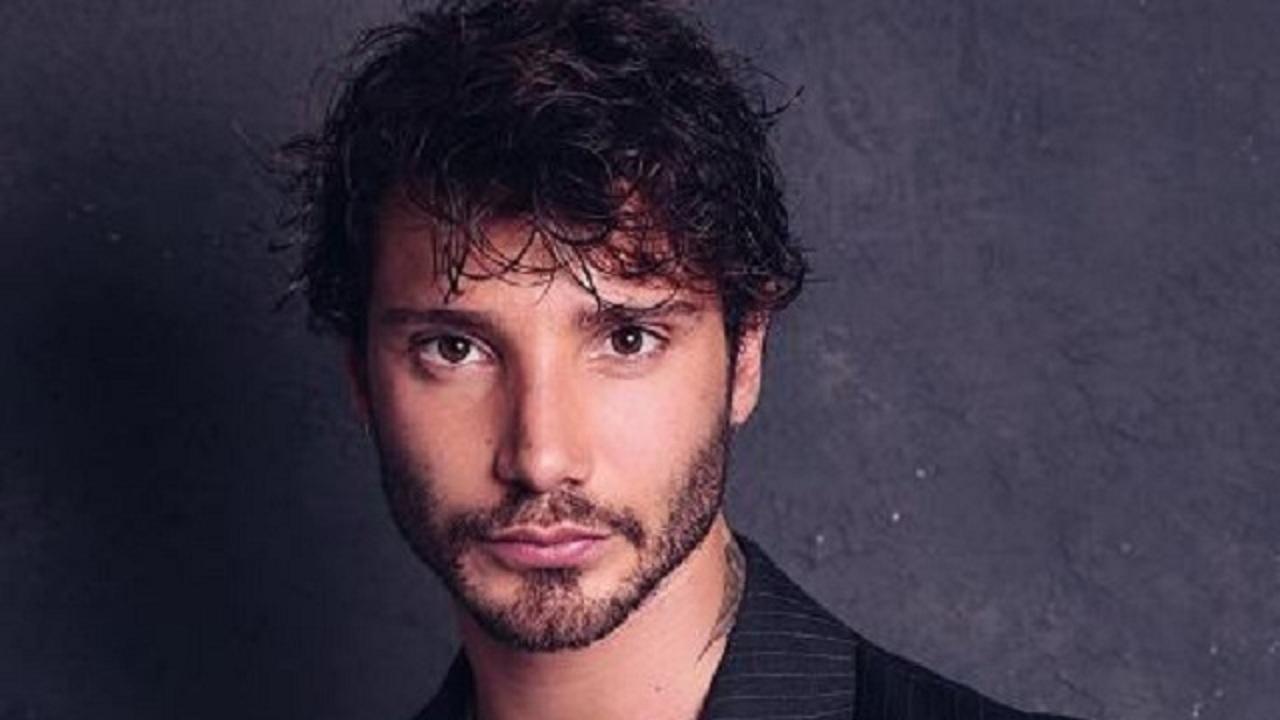 Stefano De Martino in versione sexy: la pubblicità