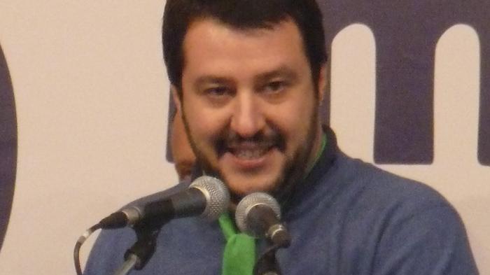 VIDEO - Sondaggi politici: Salvini raggiunge Di Maio nella fiducia sui leader
