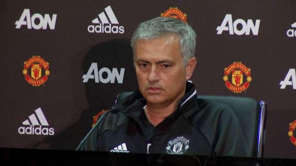 Mourinho busca revolucionar el Manchester United en verano