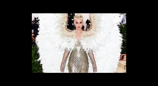 Katy Perry extended an olive branch to Taylor Swift. Is bad blood behind them?
