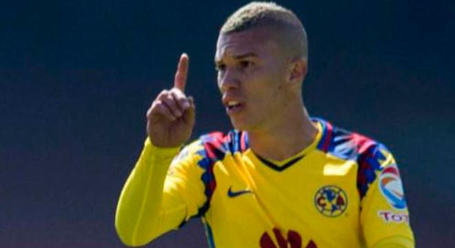 Santiago Baños habla sobre la posible salida de Mateus Uribe