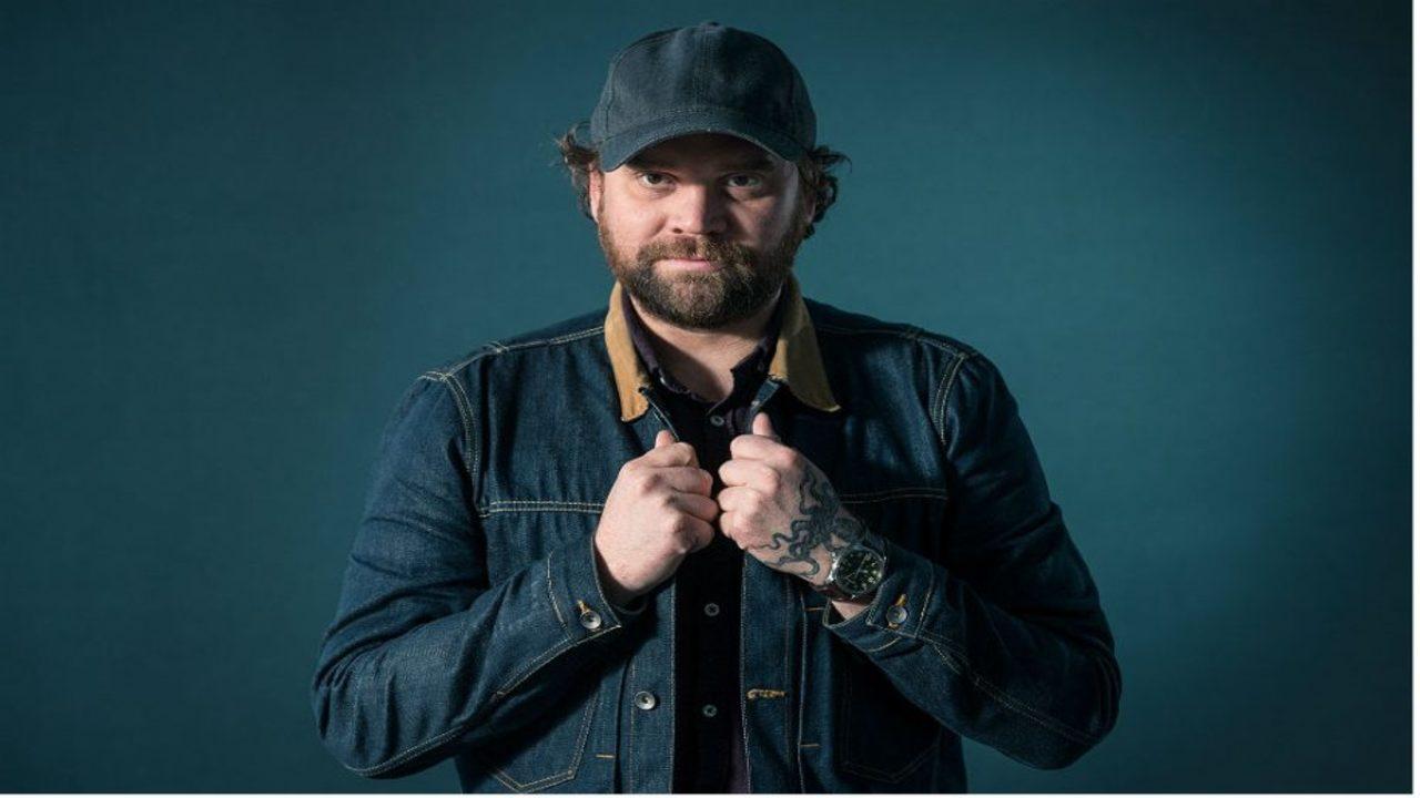 Vocalista de famosa banda escocesa comete suicídio