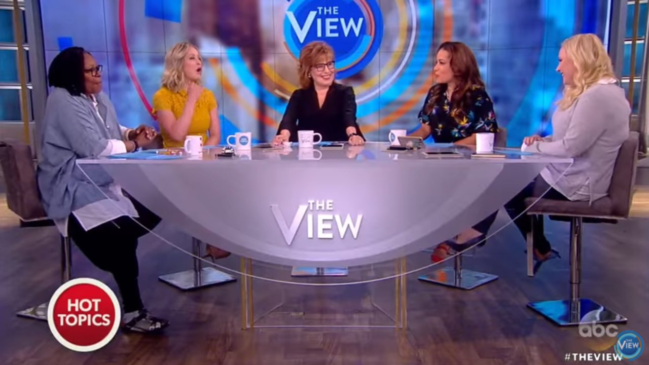 """""""The View"""" pokes fun at the relationship between Donald Trump and Sean Hannity"""