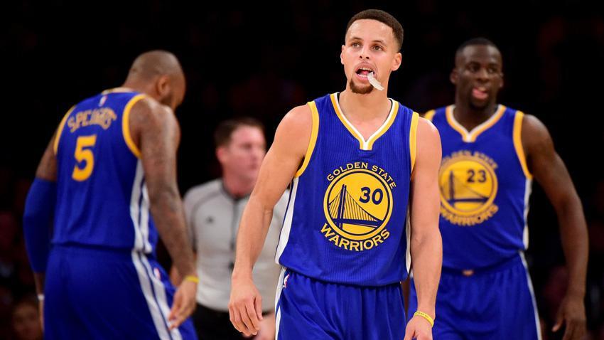 La imparable ofensiva de los Warriors nuevamente se impone
