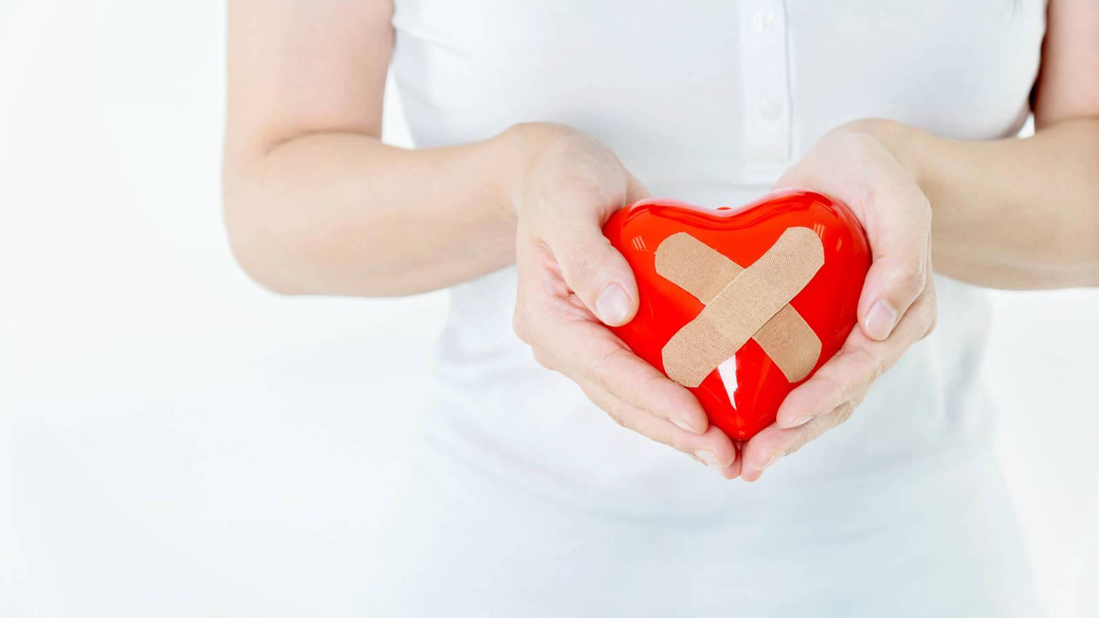 Cosas que hacen las mujeres que han tenido el corazón roto