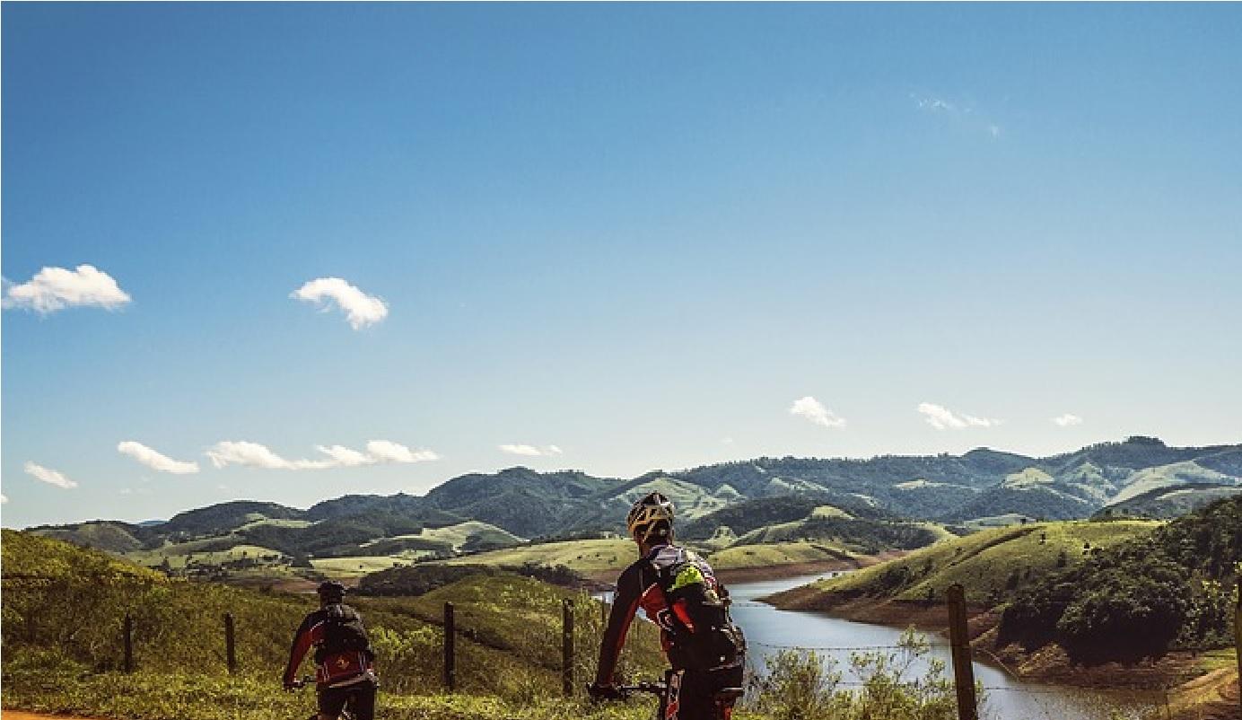 Giro d'Italia: per Froome accuse dai corridori e proteste