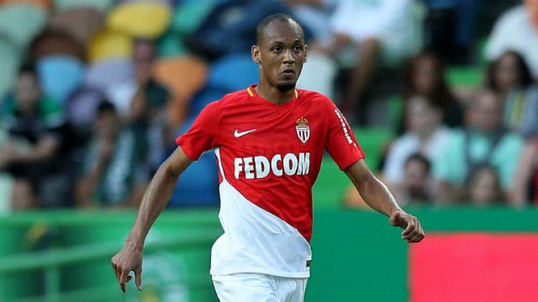 Liverpool llega a un acuerdo para el mediocampista Fabinho de Mónaco