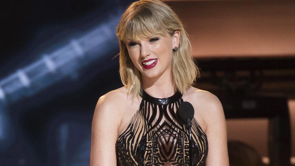 Tremenda controversia entre la pareja West-Kardashian y la cantante Taylor Swift