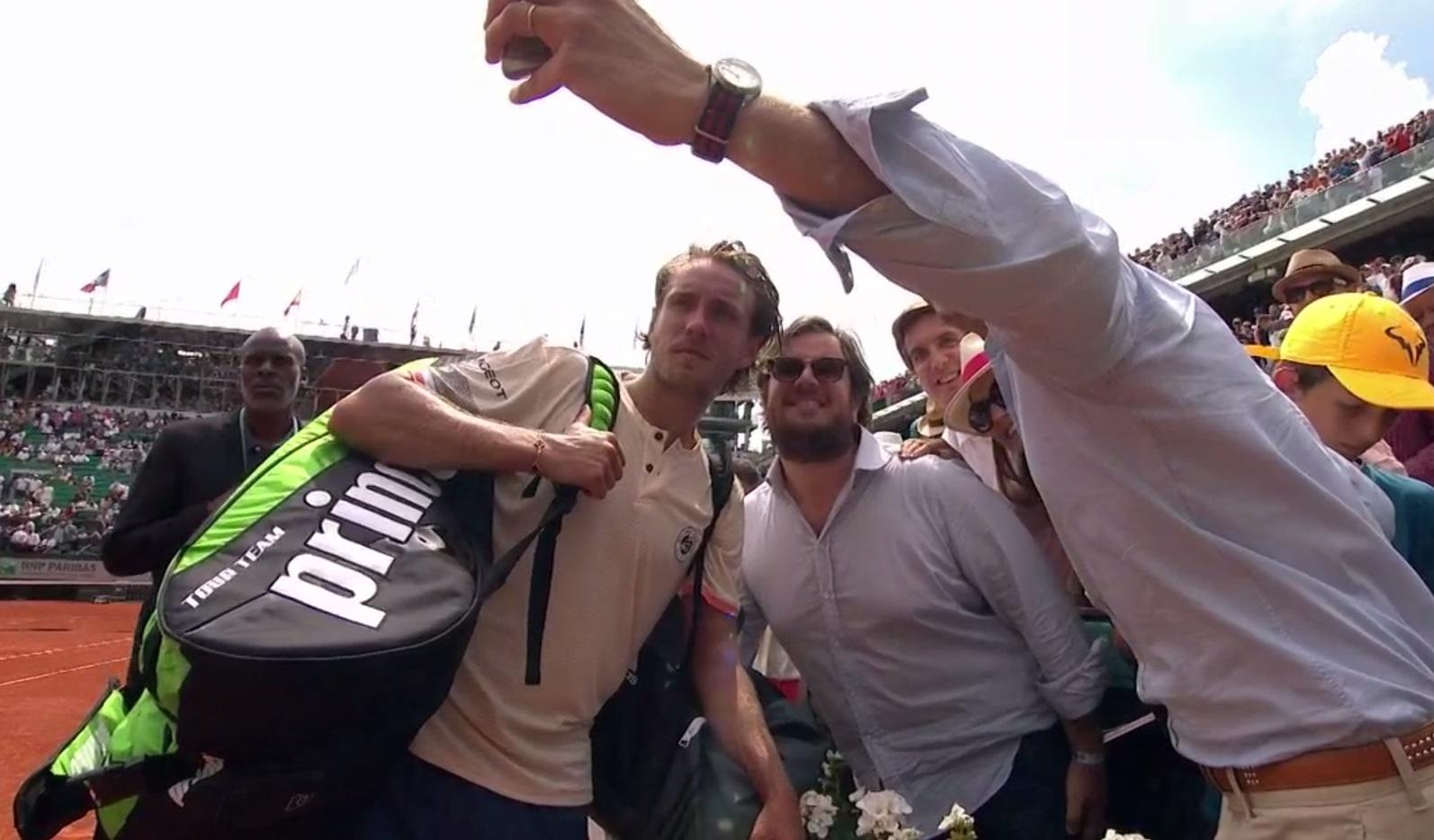 Lucas Pouille rejoint le 3e tour de Roland-Garros après la nuit