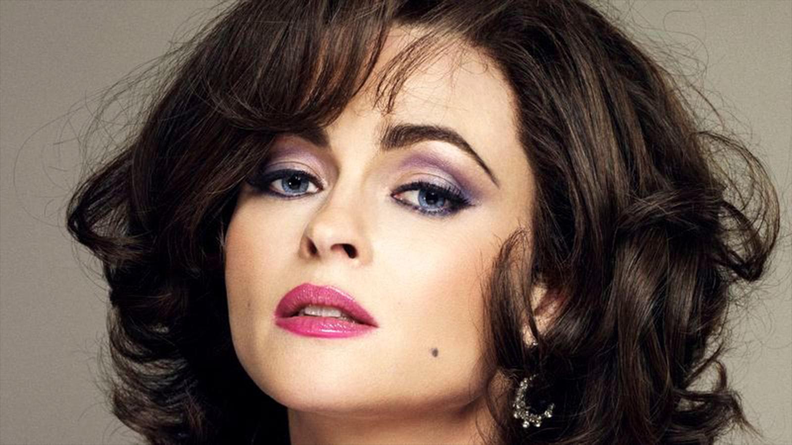 Helena Bonham Carter pourrait incarner la méchante du prochain James Bond