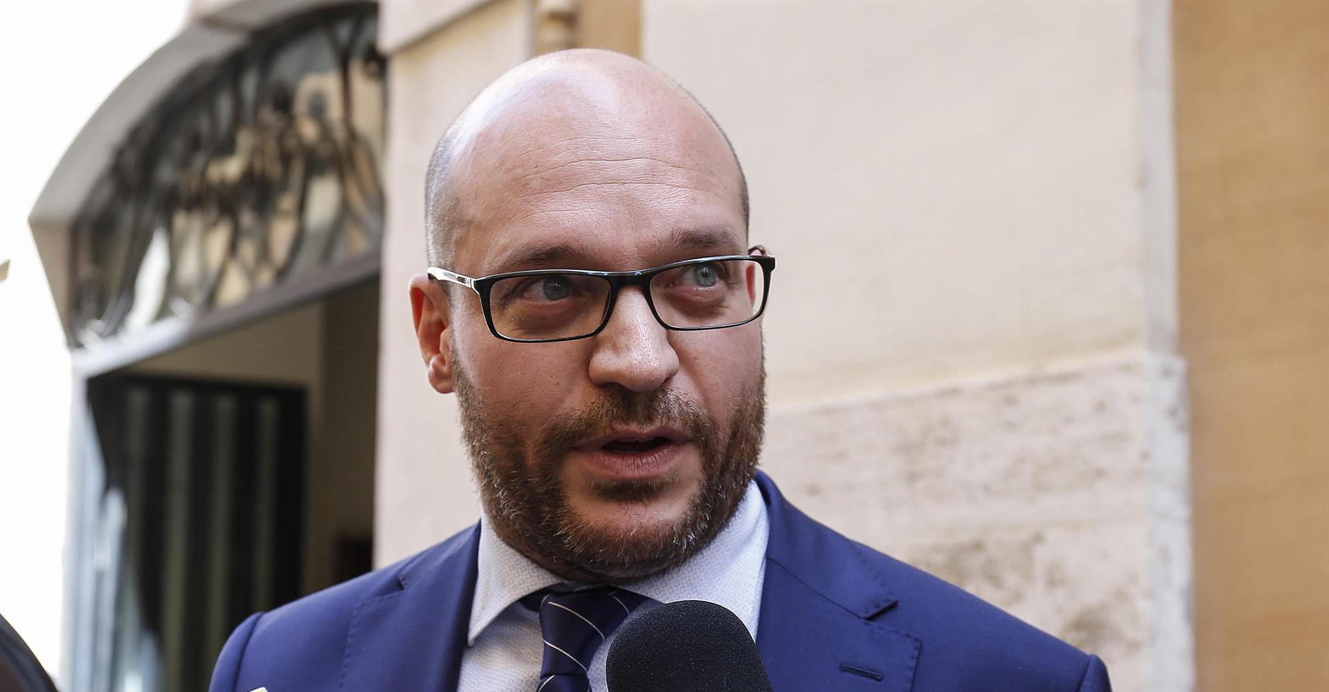 Chi è Lorenzo Fontana, il ministro che spaventa le famiglie arcobaleno