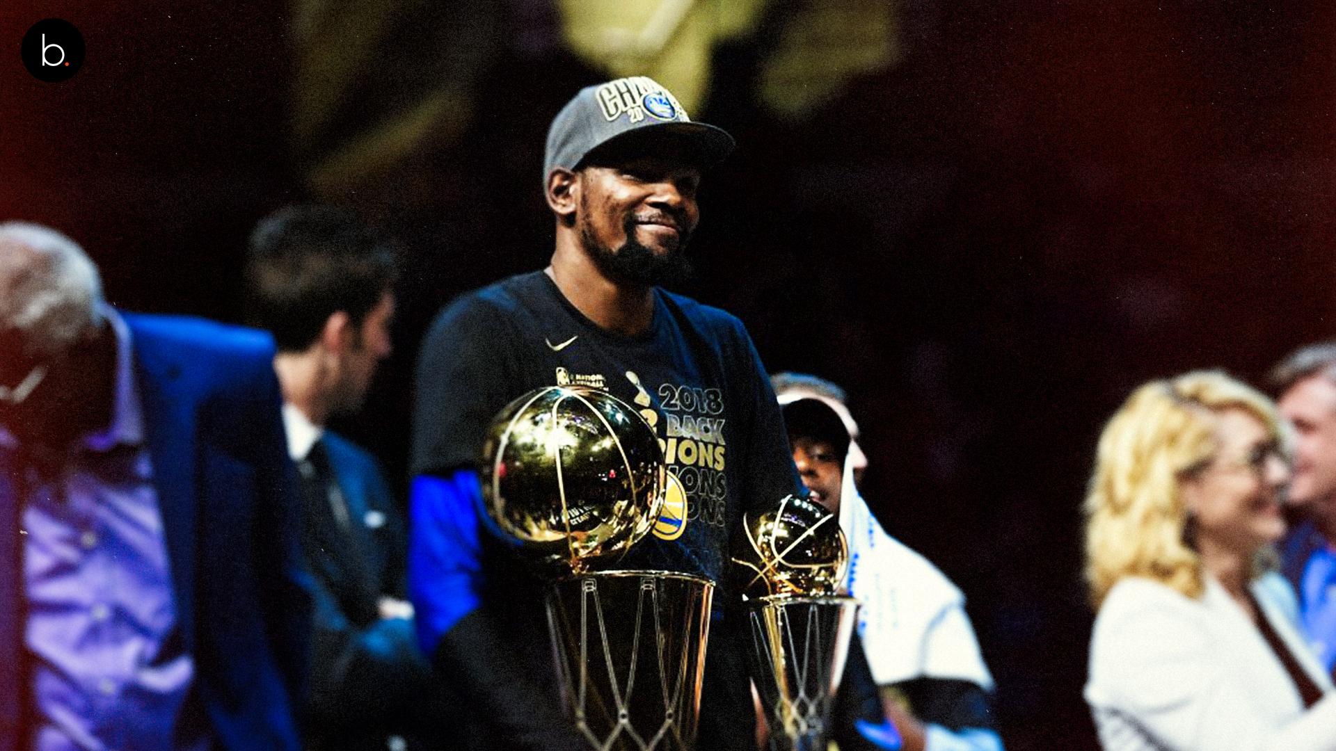 Kevin Durant es premiado como el MVP de las finales