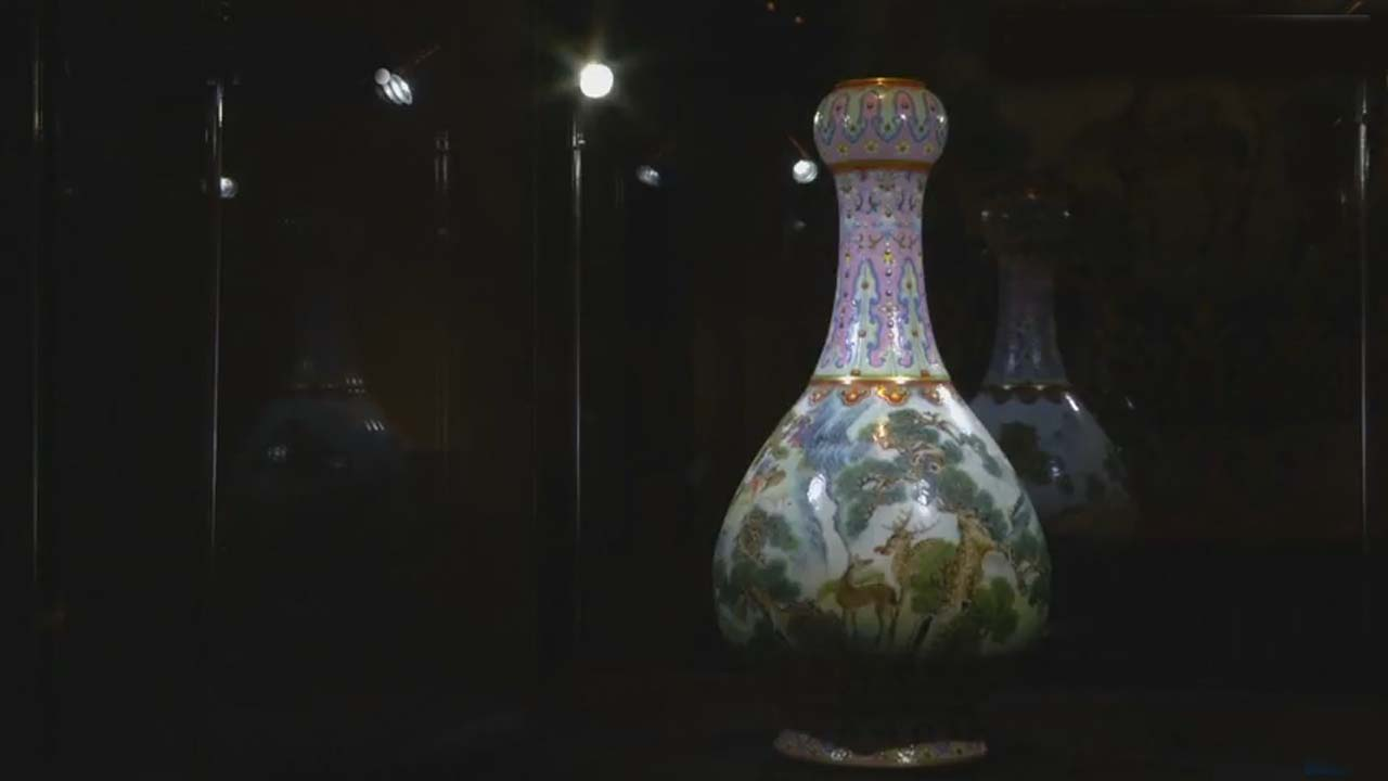 Chinese vase found in French attic sells on auction for a massive £14 million