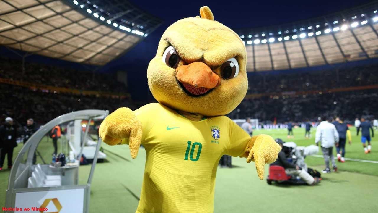 Douglas Costa, destaque contra a Costa Rica sente lesão e não pega a Sérvia