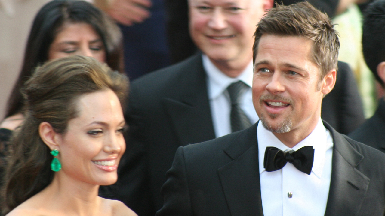 Angelina Jolie allegedly has dirty secrets on Brad Pitt