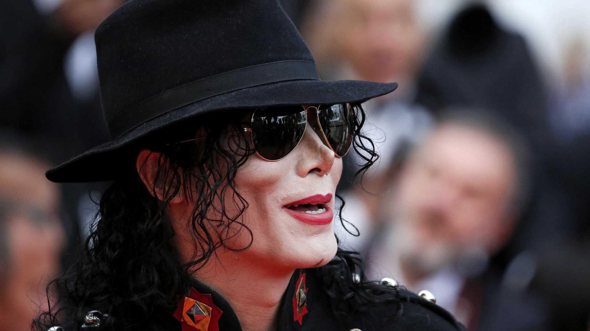 Michael Jackson foi 'castrado quimicamente' pelo pai, garante o médico