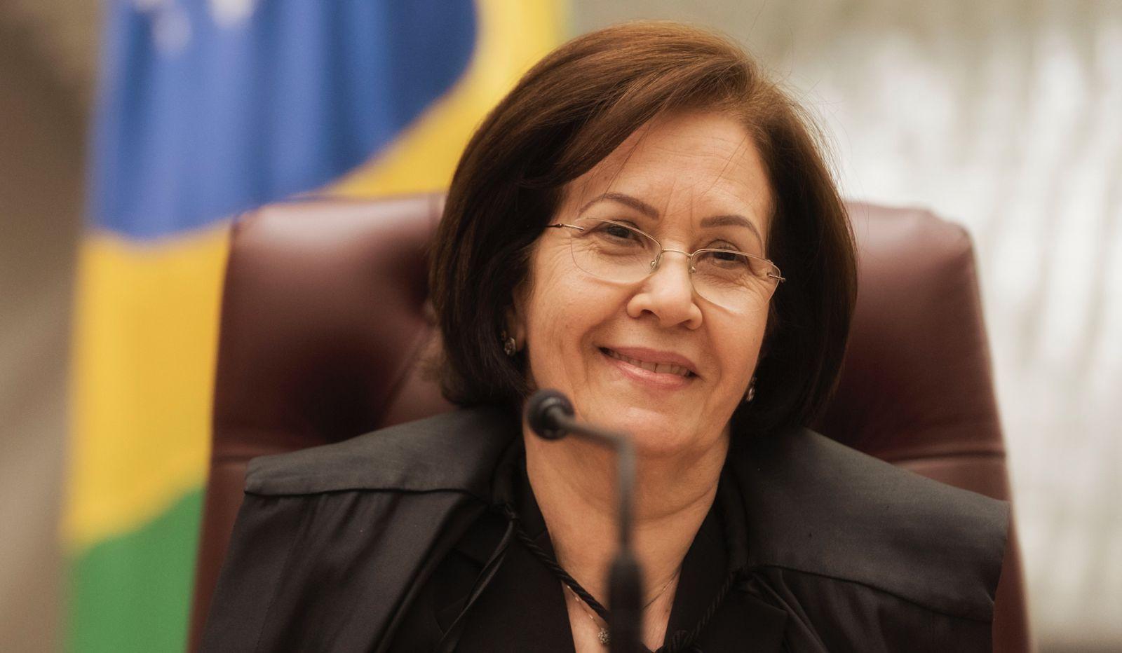 Ministra Laurita Vaz nega pedidos em massa para soltar Lula