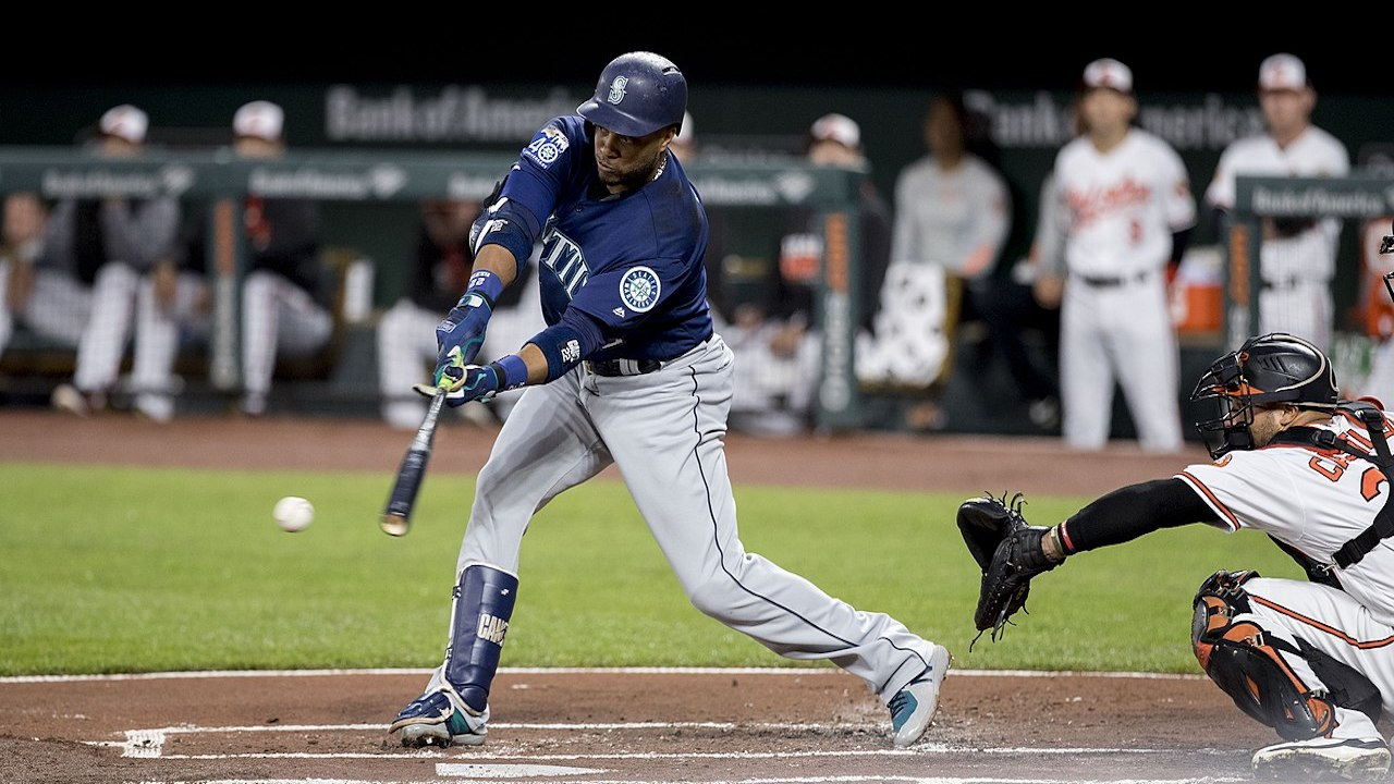 Mariners' Robinson Cano returning soon, working out at first and third base