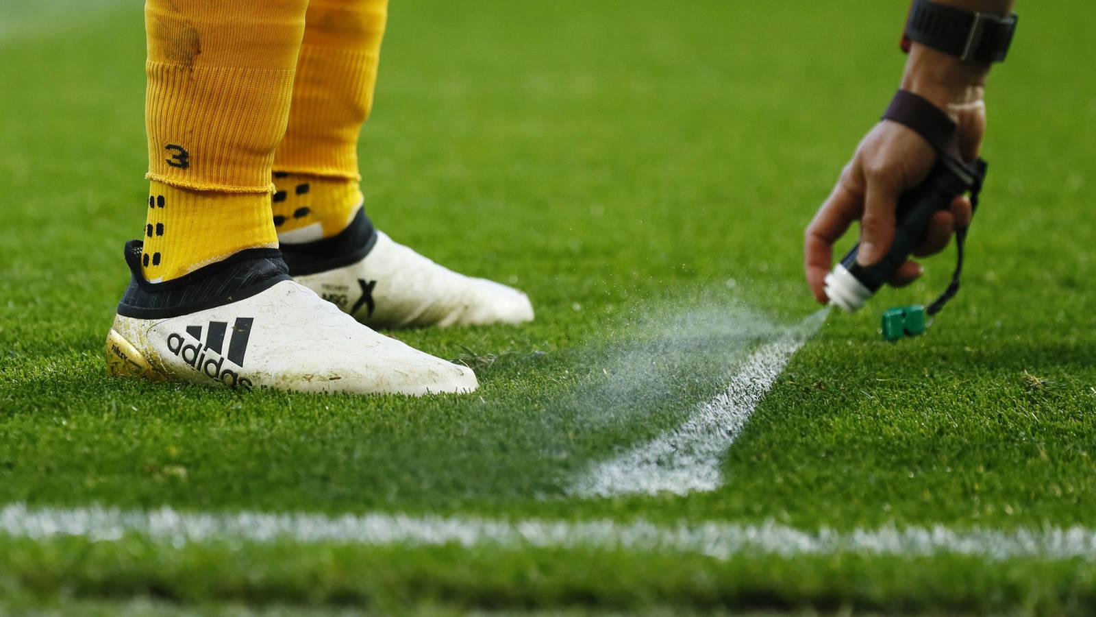VÍDEO: Por una orden judicial la FIFA podría dejar de usar el spray