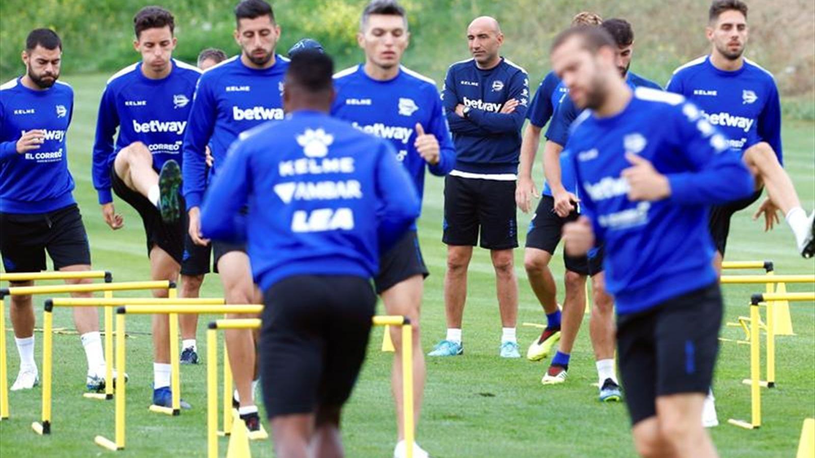 Empate en el debut del Real Oviedo frente al Extremadura