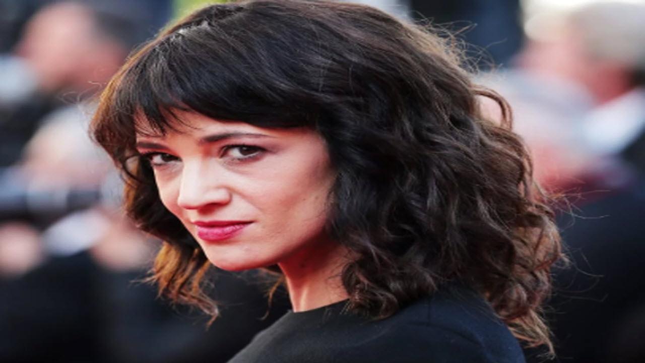 Asia Argento risarcisce giovane attore dopo averla accusata di molestie sessuali
