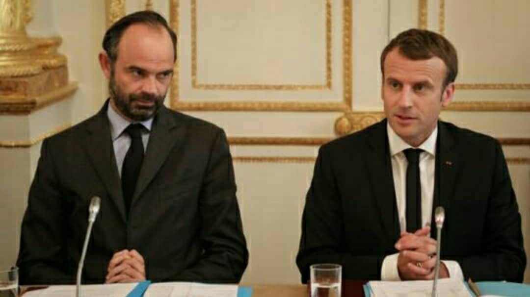 Emmanuel Macron de retour à l'Elysée pour préparer la rentrée