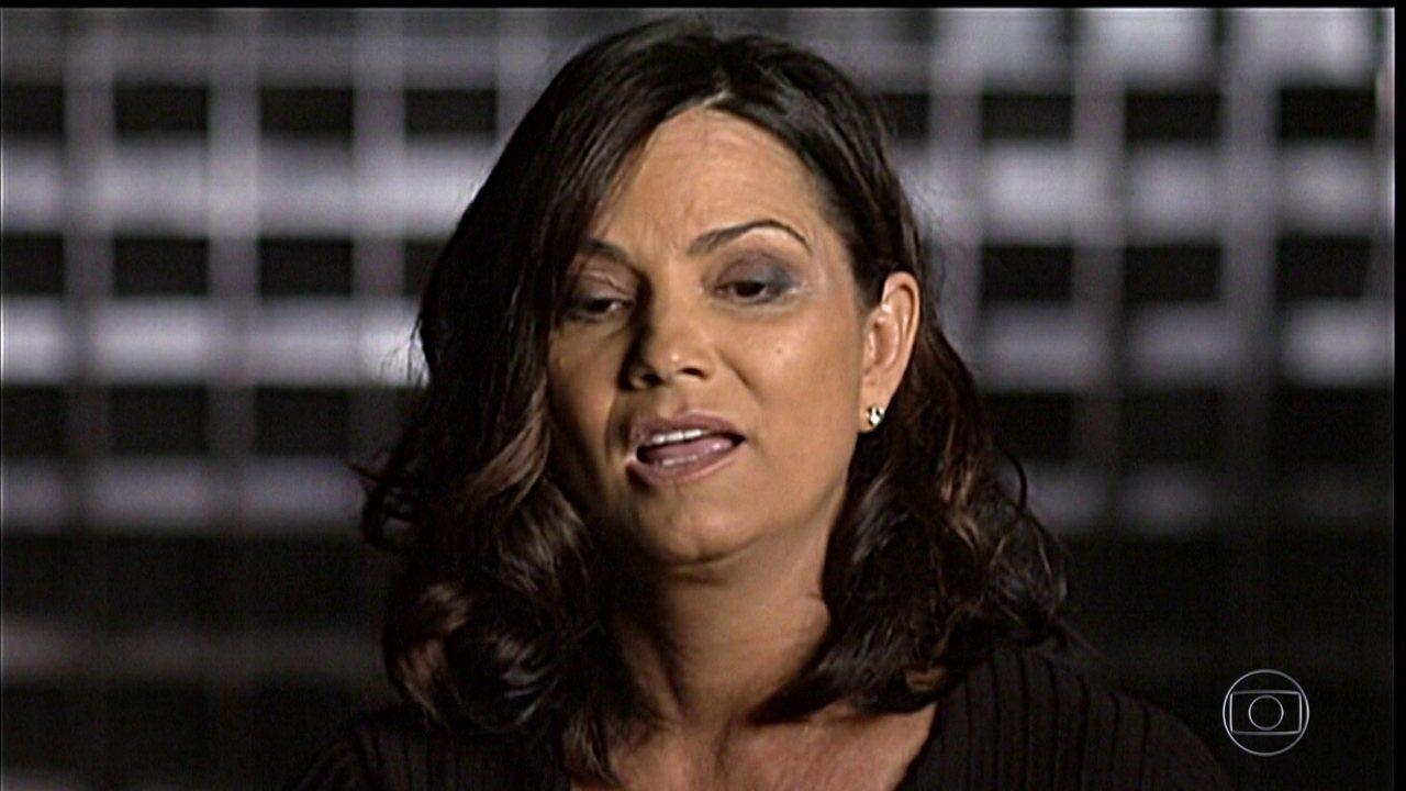 Luiza Brunet chama seguidora de faxineira e pede perdão