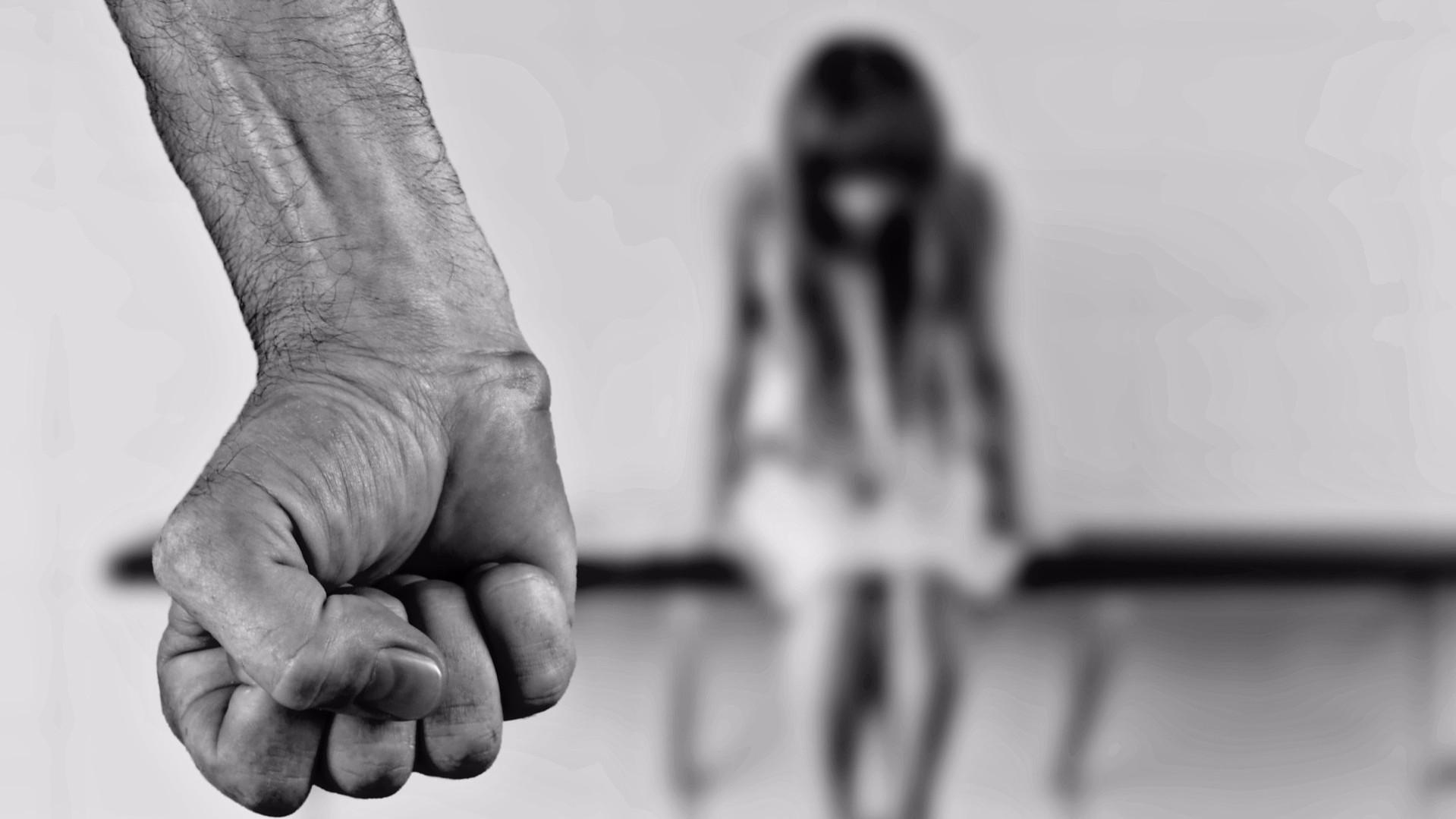 Violenza di Parma: il commerciante ha adescato la vittima su Facebook