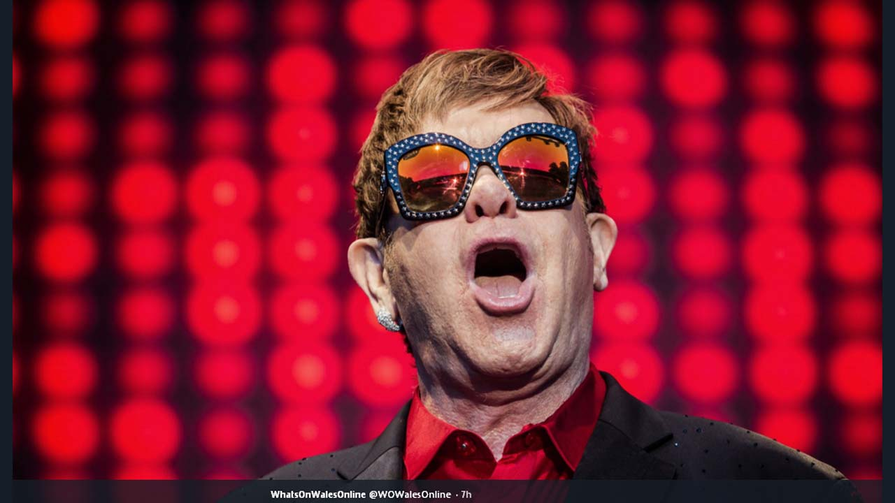Elton John announced f...