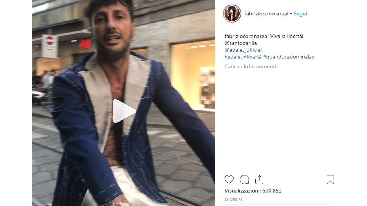 Gossip: Fabrizio Corona cade dalla bici e il video fa boom di visualizzazioni