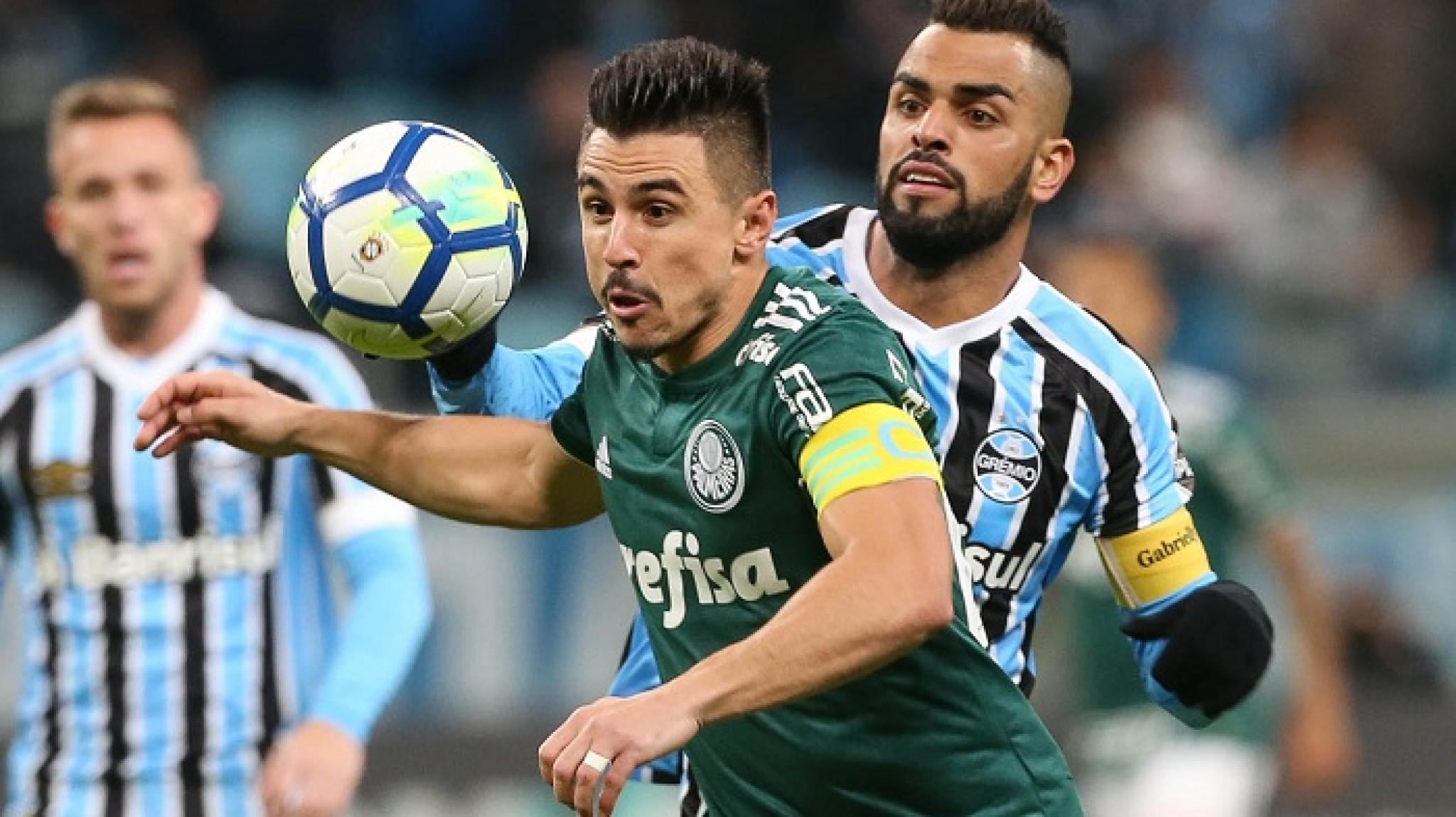 Bahia recebe o embalado Palmeiras
