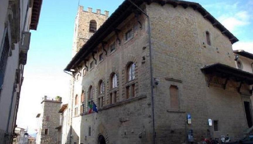 Arezzo, fuga di gas all'Archivio di Stato: due morti