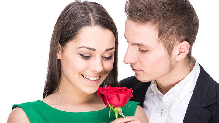 Coisas que um homem faz quando está realmente amando uma mulher
