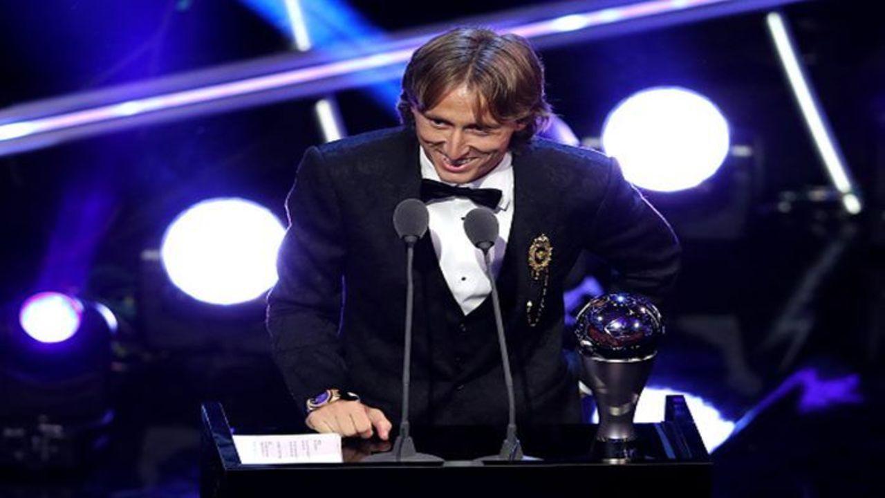 Luka Modric élu footballeur de l'année par la Fifa, Griezmann encore oublié