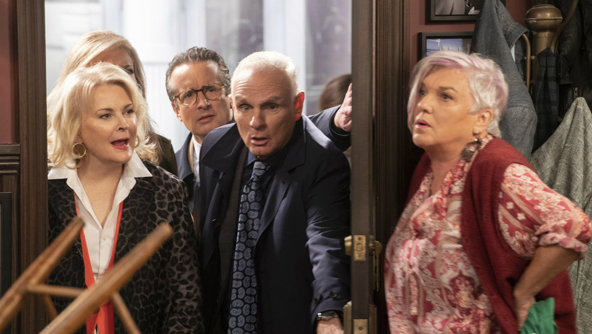 Candace Bergen & Faith Ford find calm in 2018 Murphy Brown reboot