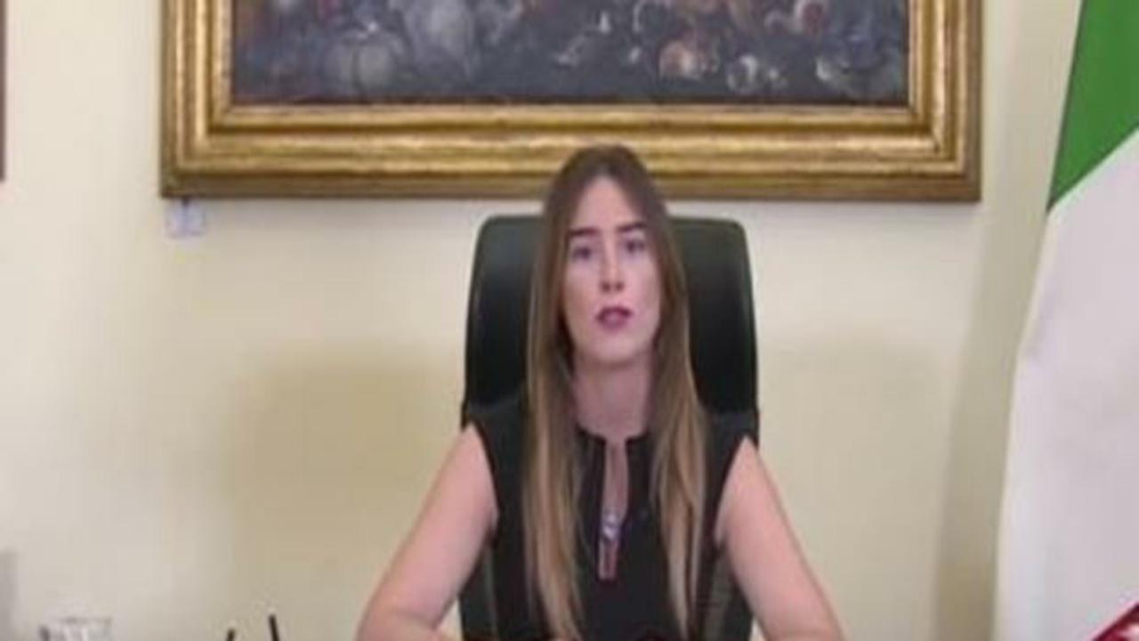 """Maria Elena Boschi: """"I risparmi sono a rischio"""""""