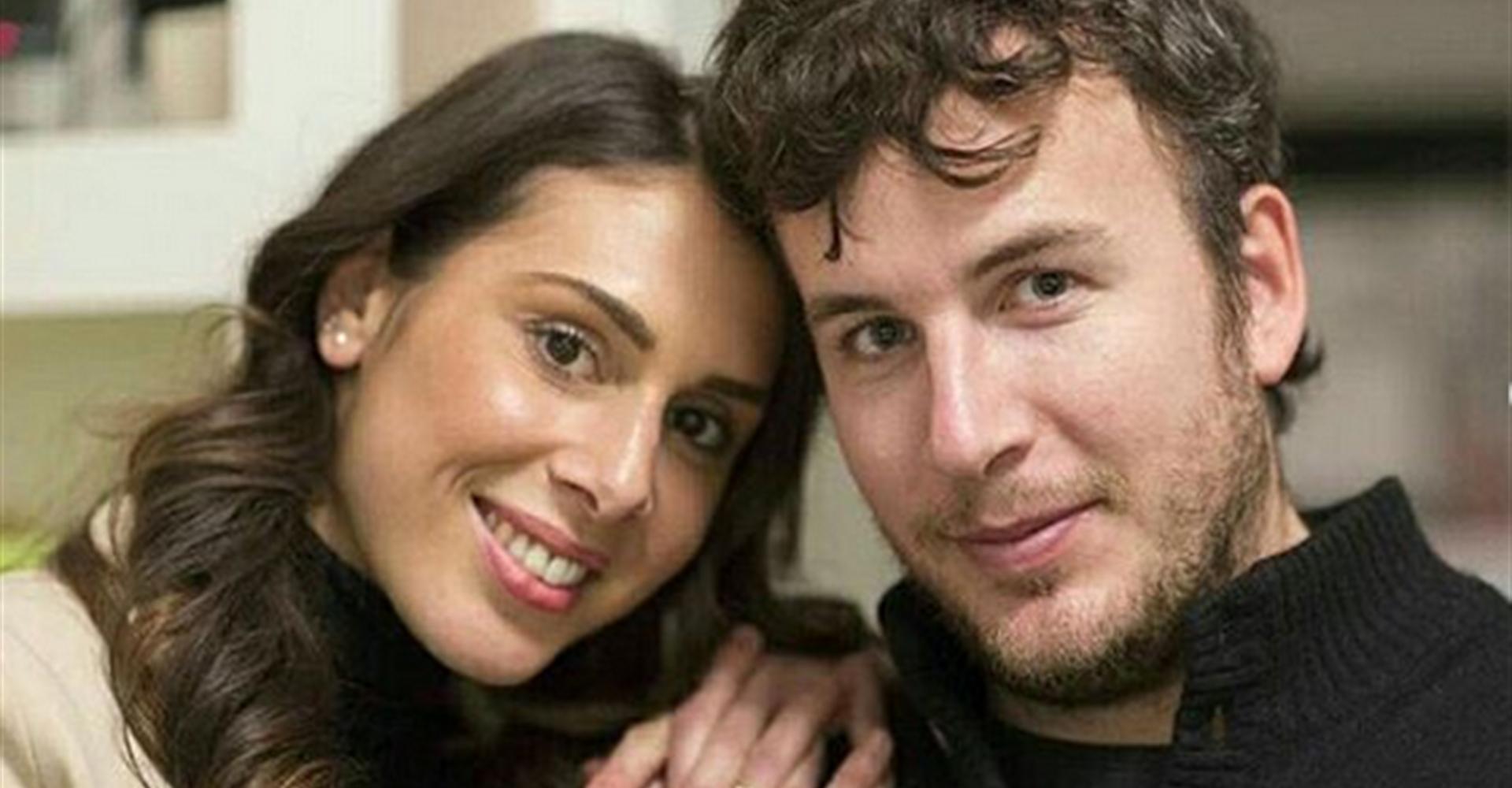 Aurora Pepa, fidanzata di Diego Fusaro: «Sono vergine, lui legge sempre Hegel»