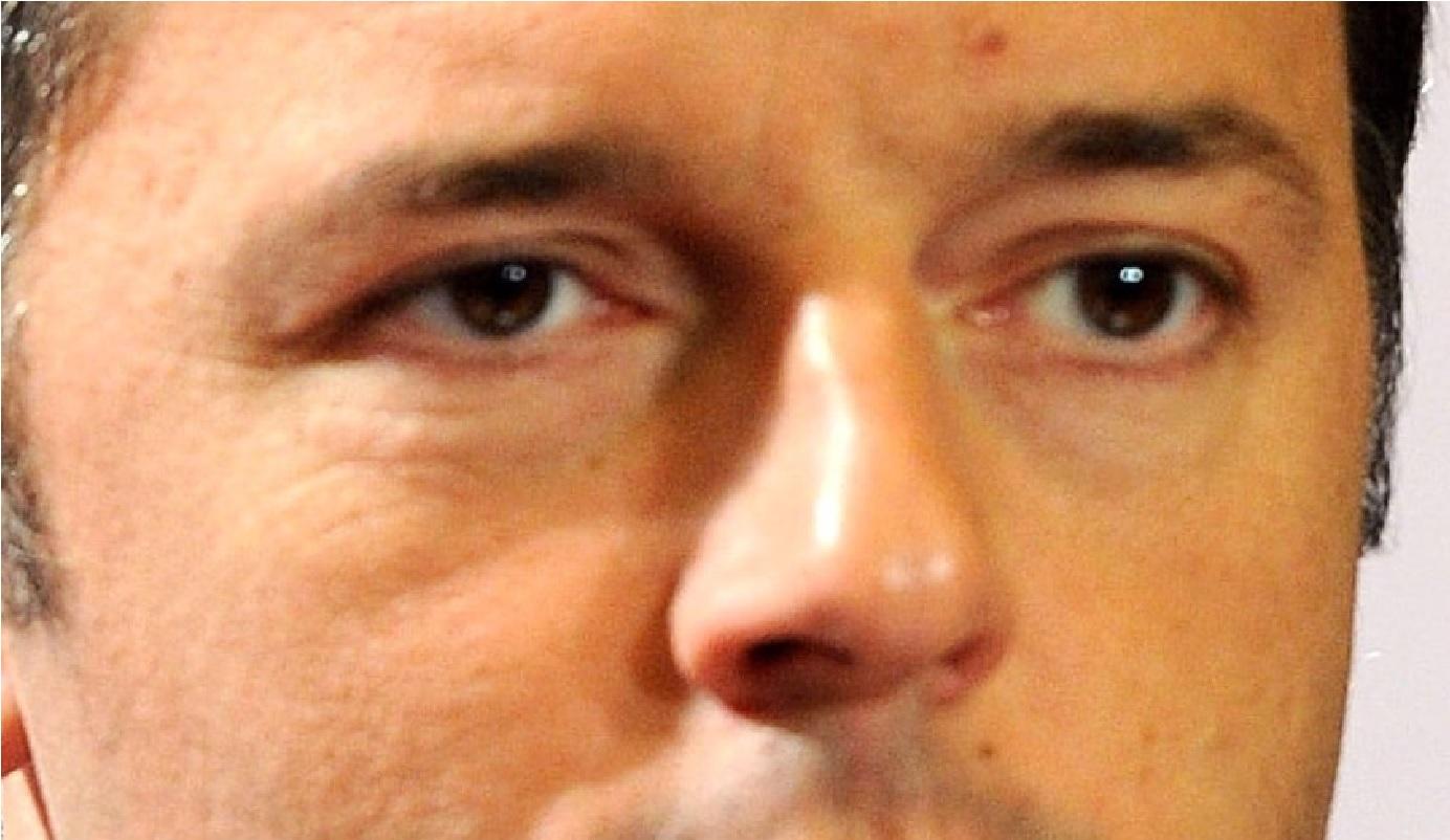 Renzi risponde sui social a un utente: 'Il mio stipendio lo paghi tu'