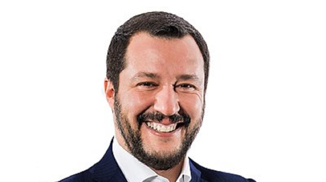 Salvini sulla bocciatura della UE: 'Non cambiamo, faremo il contrario di Renzi'