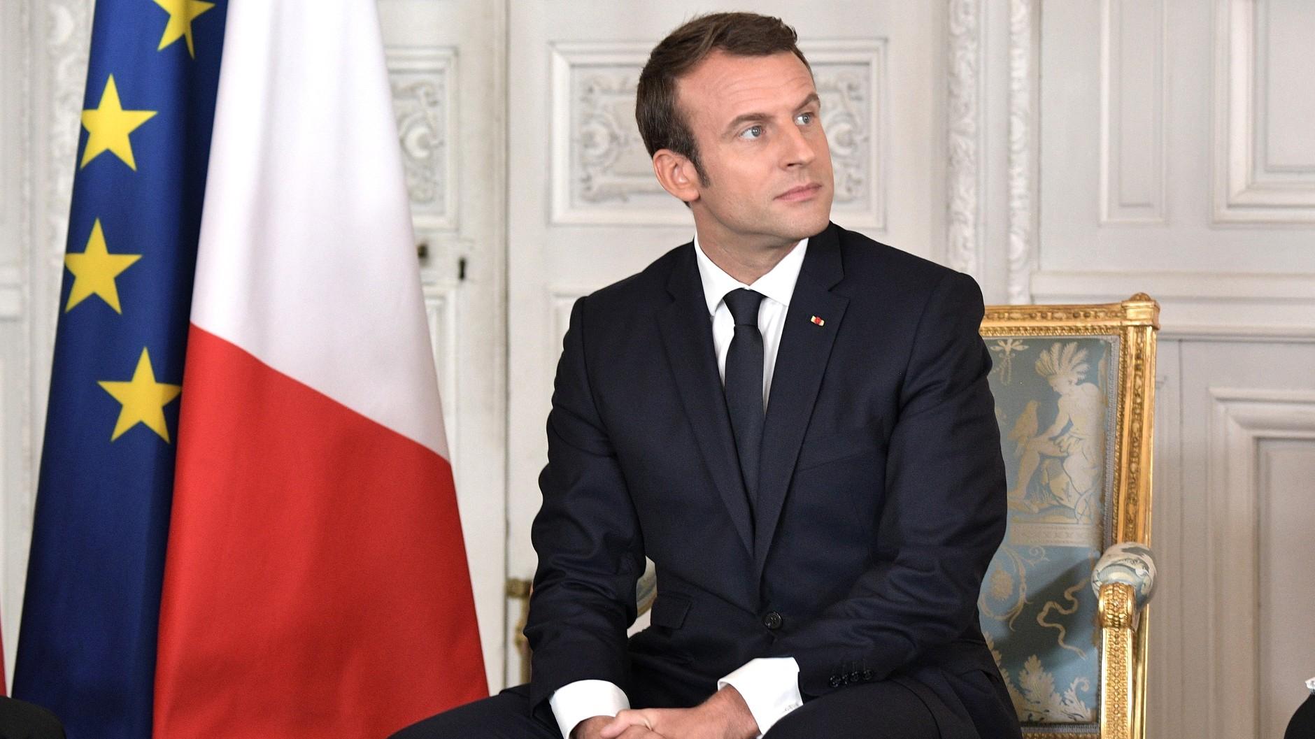 Emmanuel Macron allège son agenda présidentiel