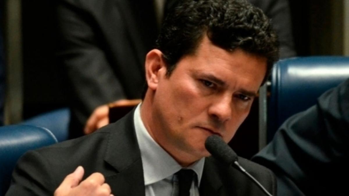 Sergio Moro discute com advogado de Eduardo Cunha