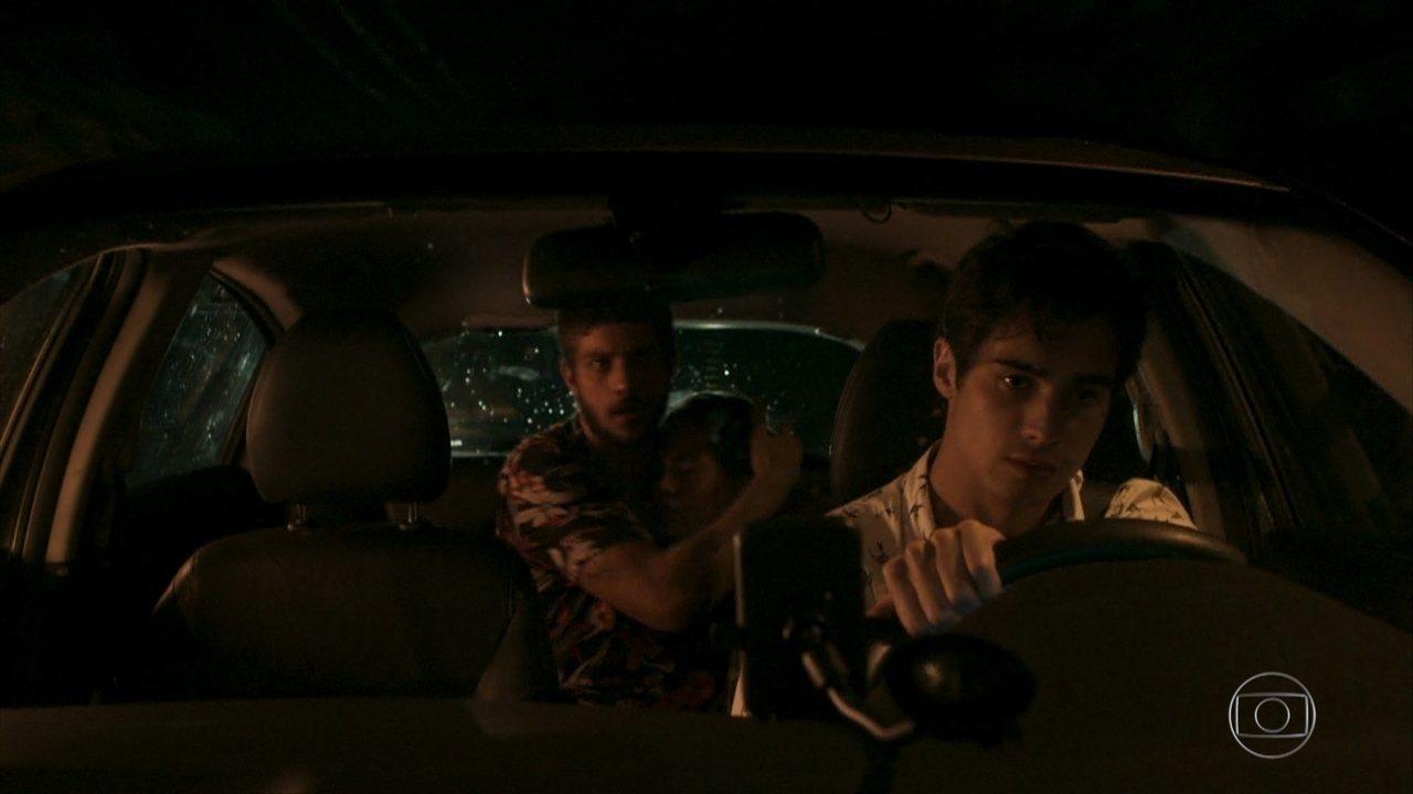 Novo erro em 'Segundo Sol' marca cena do resgate de Rosa