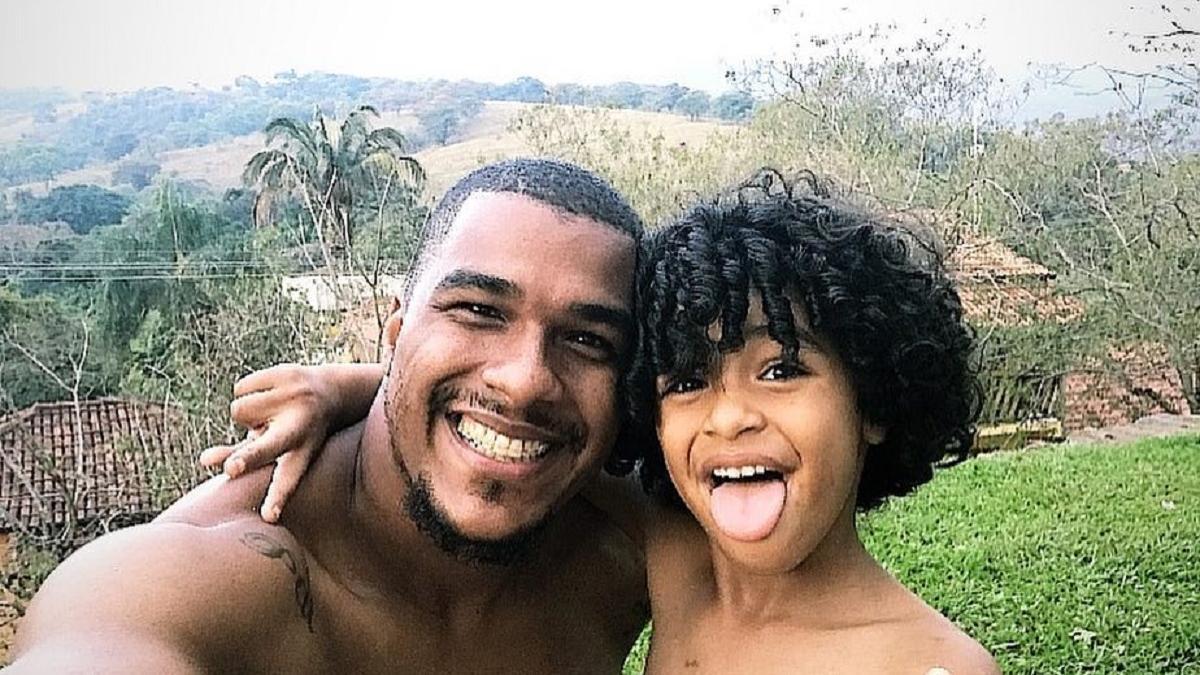 Bebê de 11 meses recebe coração do filho do goleiro Elisson, ex-Cruzeiro
