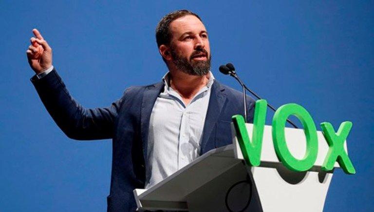En un mitin de Santiago Abascal de VOX, insultan a Susana Díaz