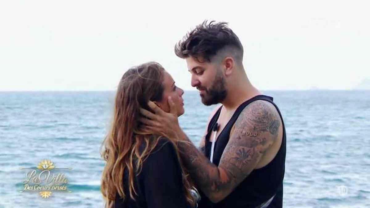 Manue annonce sa rupture avec Antonin