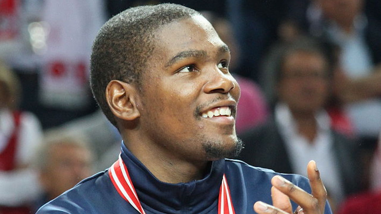 KD comments about stars not wanting to join LeBron, King James responds