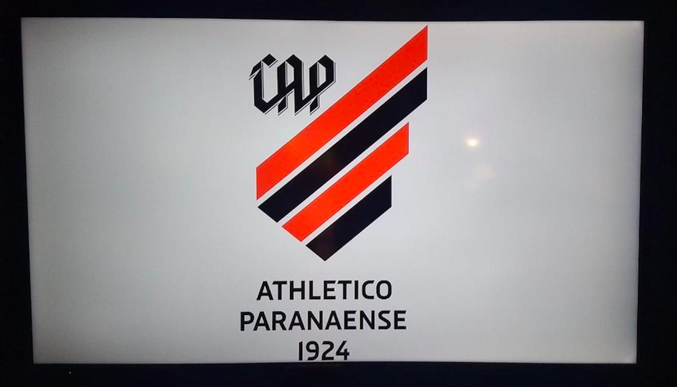 Atlético Paranaense muda escudo, nome e uniforme