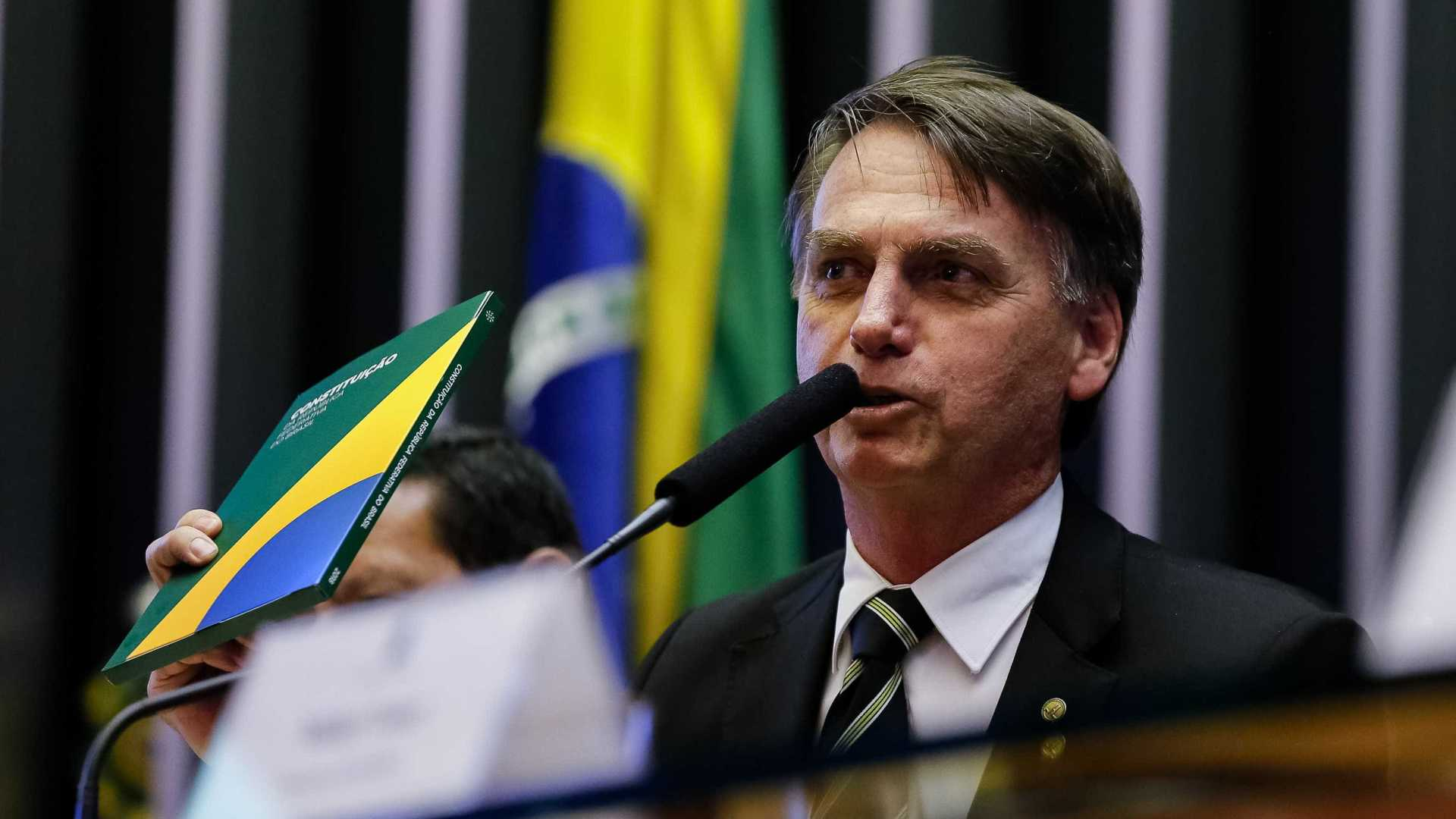 Jair Bolsonaro almoça com Silvio Santos na casa do empresário