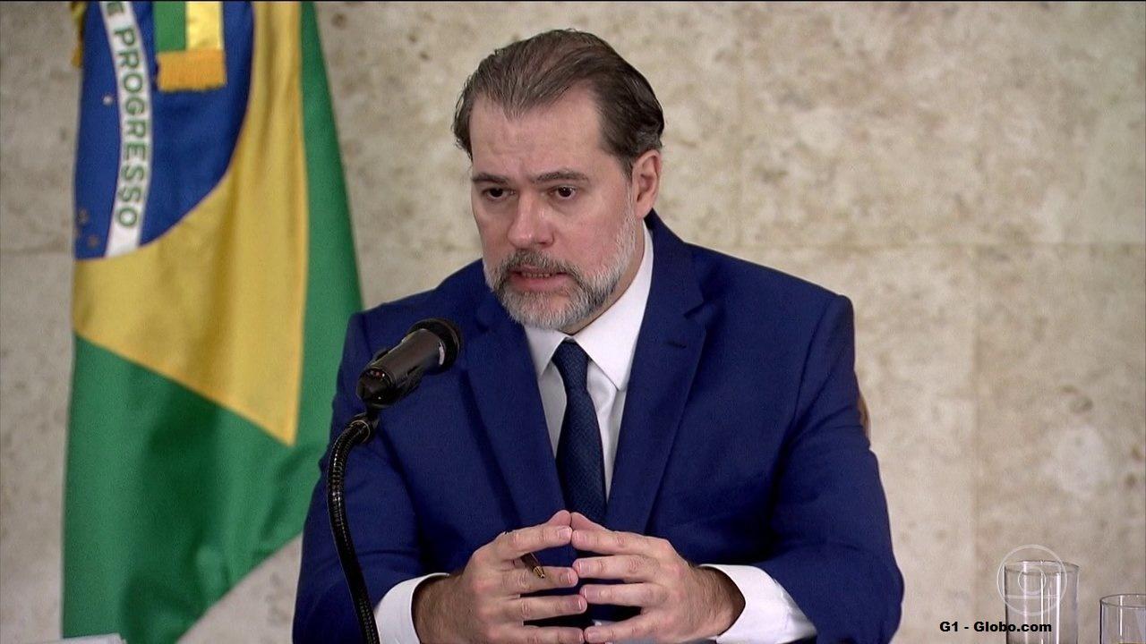 Dias Toffoli, suspende decisão de Marco Aurélio para evitar caos generalizado
